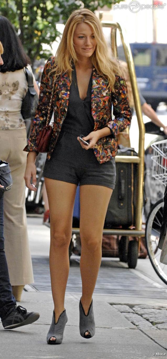 Wearing a Dries Van Noten blazer   GOSSIP GIRL   Pinterest ...